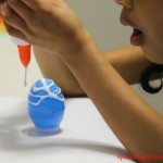 Easter ideas for preschoolers : Pouring glue decoration