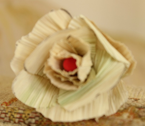 How to make roses with corn husk